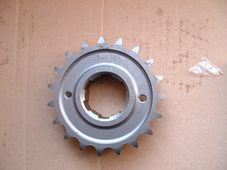 57-4783, Triumph Gearbox sprocket, 19 tooth, 5 speed